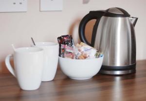 Coffee and tea-making facilities at Waverley Hotel