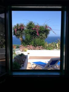 Vue sur la piscine de l'établissement Apartments Finca El Rincón ou sur une piscine à proximité
