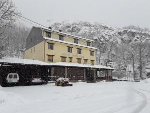 Hotel Restaurante Don Pepe during the winter