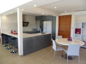 A kitchen or kitchenette at Danlux Remy