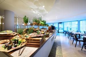 Radisson Blu Resort Swinoujscieにあるレストランまたは飲食店