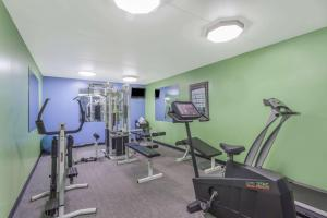 The fitness center and/or fitness facilities at Super 8 by Wyndham Kingston