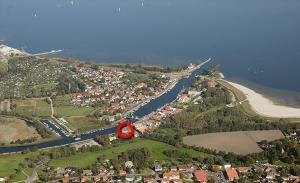 Blick auf Hotel zur Brücke aus der Vogelperspektive