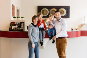 A family staying at Hotel Prado