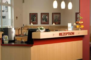 Lobby/Rezeption in der Unterkunft Hotel Berlin - GreenLine Hotel