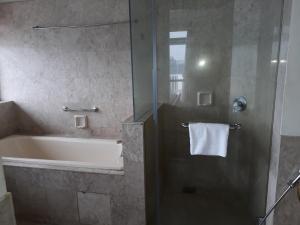A bathroom at Bintang Apartment Times Square At KL