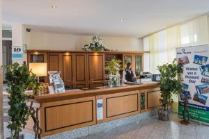 The lobby or reception area at Hotel Residenz Limburgerhof