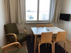 Svetainės erdvė apgyvendinimo įstaigoje Töölö Towers