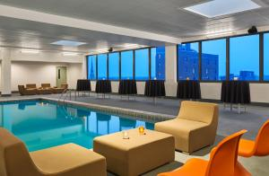 The swimming pool at or near Aloft South Bend