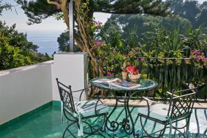 A balcony or terrace at Hotel La Minerva