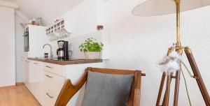 Küche/Küchenzeile in der Unterkunft Am Quittenbaum