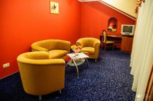 Część wypoczynkowa w obiekcie FENIX - Hotel i Restauracja