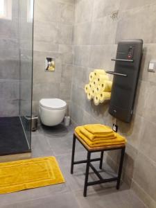 A bathroom at Studio 33