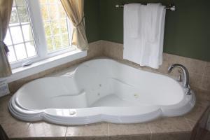 A bathroom at The Castle Inn