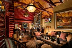 A seating area at Rustic Inn Creekside