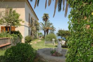 A garden outside Agriturismo Santa Margherita