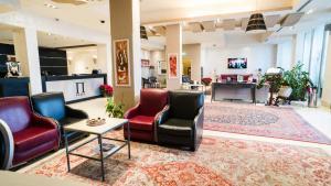 The lobby or reception area at Plaza Hotel Catania