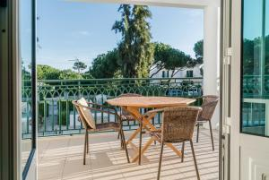 A balcony or terrace at Pine Cliff Apartment by The Portuguese Butler