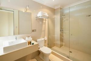 A bathroom at Best Western Plus Hotel Stellar