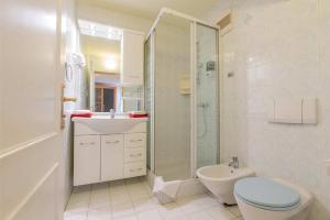Ein Badezimmer in der Unterkunft Familien Hotel Krainz