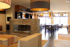 The lounge or bar area at Delta Hotels by Marriott Saint John