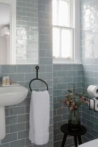 A bathroom at Pembroke Hall