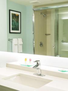 A bathroom at Hyatt Place Daytona Beach-Oceanfront