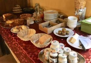 Breakfast options available to guests at Cascina Bosco Gerolo
