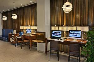 The business area and/or conference room at Hilton Hartford