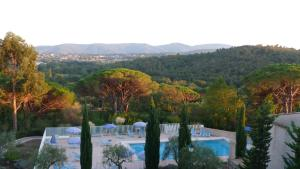 The swimming pool at or near Les bastides de Grimaud