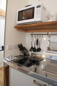 A kitchen or kitchenette at Bull Farm Studios