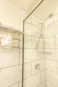 A bathroom at Hotel Ruby