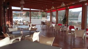 Un restaurante o sitio para comer en Venta de Tébar