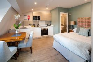 A kitchen or kitchenette at Beech House