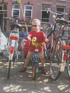 ركوب الدراجة الهوائية في محيط Bicycle Hotel Amsterdam