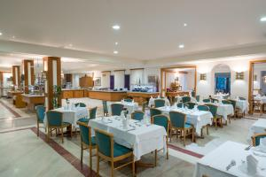 A restaurant or other place to eat at Iberostar Creta Panorama & Mare