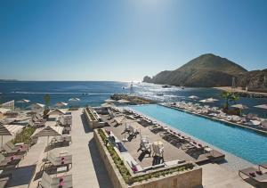 Vista de la piscina de Breathless Cabo San Lucas - Adults Only o alrededores
