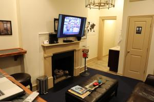 A television and/or entertainment center at Duo Nomad