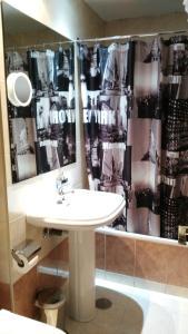 A bathroom at Santa Clara