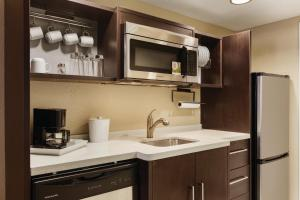 A kitchen or kitchenette at Home2 Suites Dover