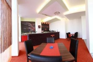 Un restaurant sau alt loc unde se poate mânca la Hotel Sydney