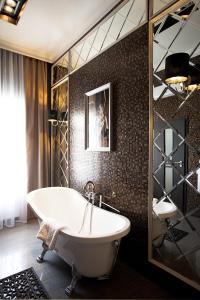 Ванная комната в Миракс Бутик Отель