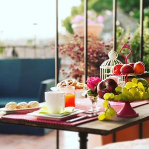 Завтрак для гостей Torre Di Vico Residenza D'Epoca