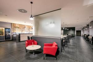 Lounge nebo bar v ubytování Wine Wellness Hotel Amande Hustopeče