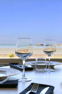 A restaurant or other place to eat at Hotel de la Plage