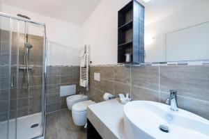 A bathroom at Hotel Garni Corona