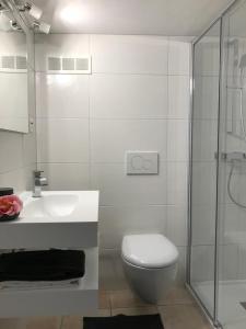 A bathroom at Casa Conti al Lago