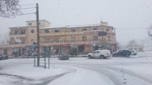 Hostal Restaurante Los Bronces during the winter