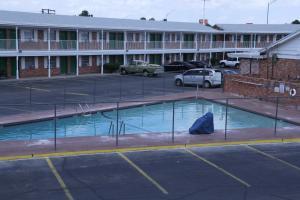 The swimming pool at or near Super Lodge Motel El Paso