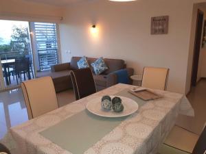 A seating area at Apartamentos Mar de Alvor